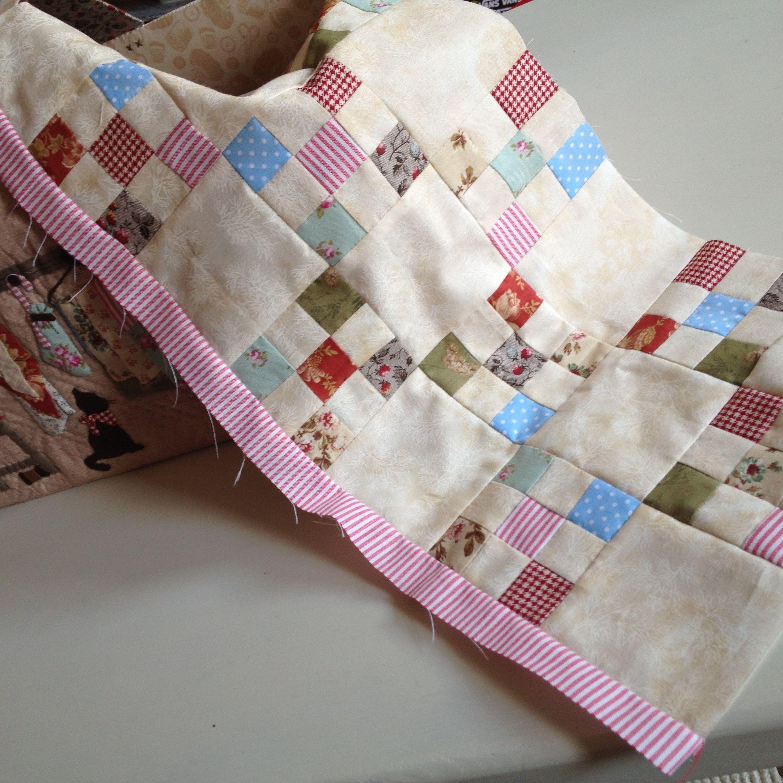 Quilt me club 2014 deel 3 en start sashiko tafelloper for Quilt maken met naaimachine